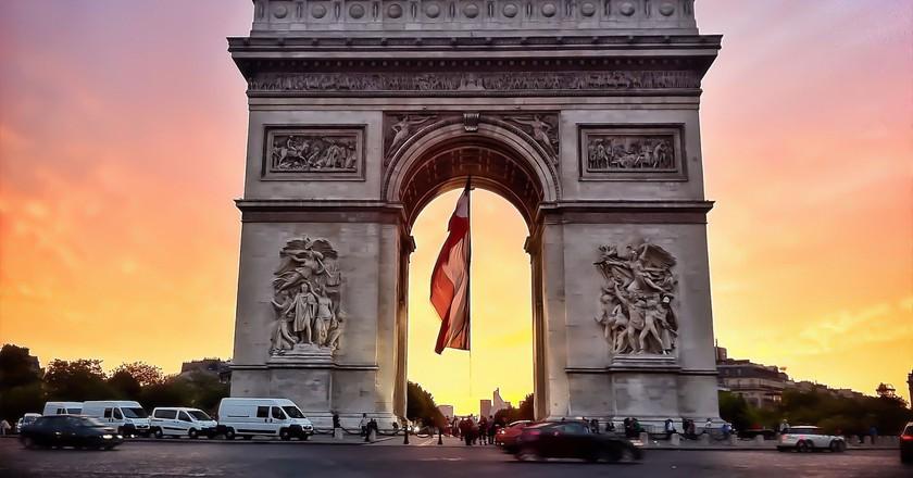 Триумфальная арка в столице Франции